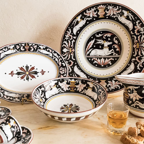 senese black and white majolica