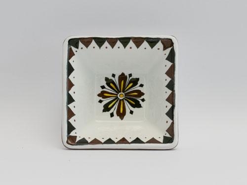 piatto quadrato bianco nero senese