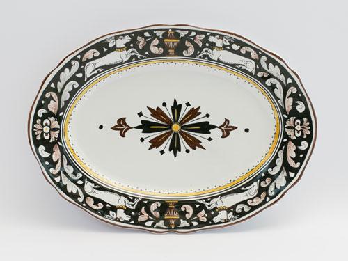 vassoio ceramica bianco nero senese