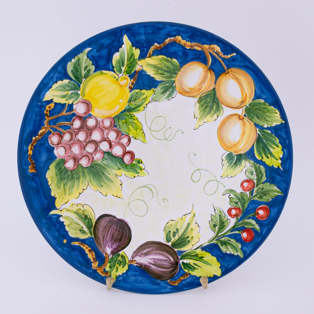 round dish top1 fruit and jeans background color